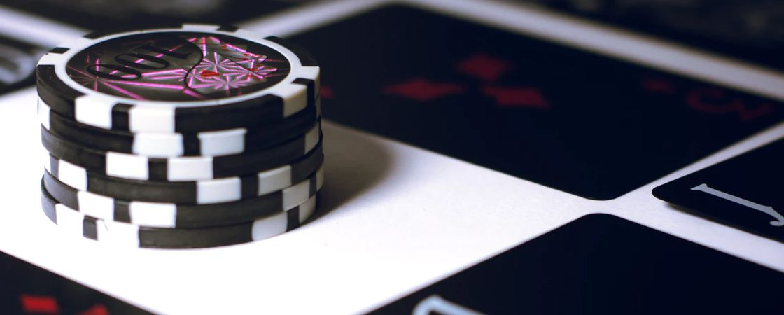 Featured PostImages 5 Tips for Beginners before Joining a Blackjack Event Avoid side bets - Playing Live Blackjack Vs Online Blackjack